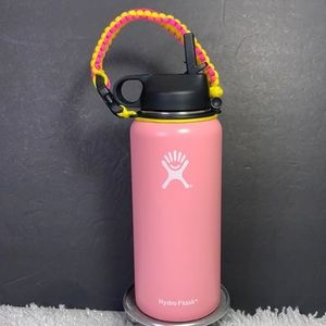 New 32 oz Hydro Flask Pink with paracord handle